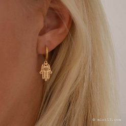 Minimalistic earrings - Hamsa